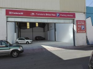 Parking gratuito - Ferretería BricoViso